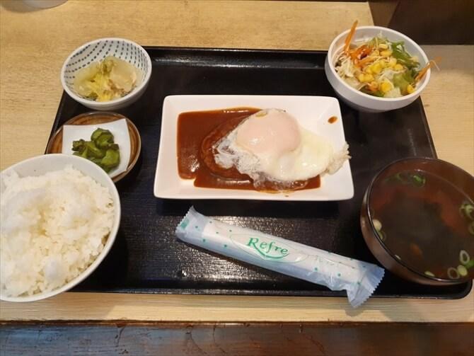 ハンバーグ定食500円